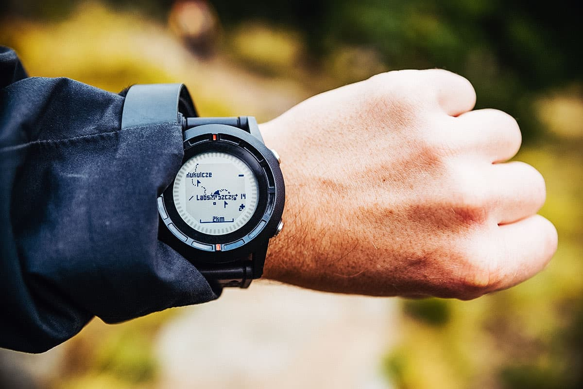 Best Hiking Watch Under 100 of 2021 (Guide & Reviews)